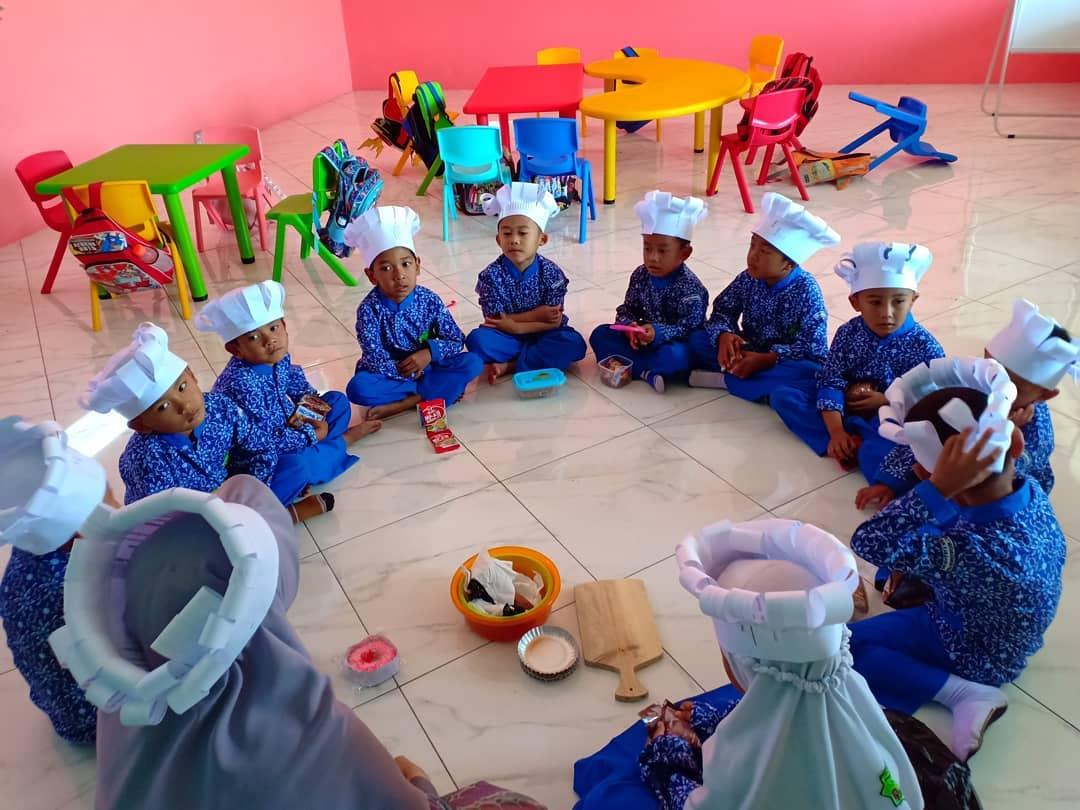Anak-Anak TK IT MEP Belajar Memasak